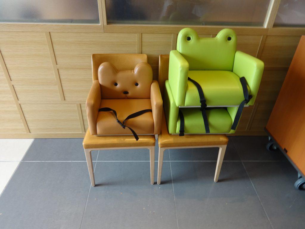 シンギュラリホテル お子様椅子
