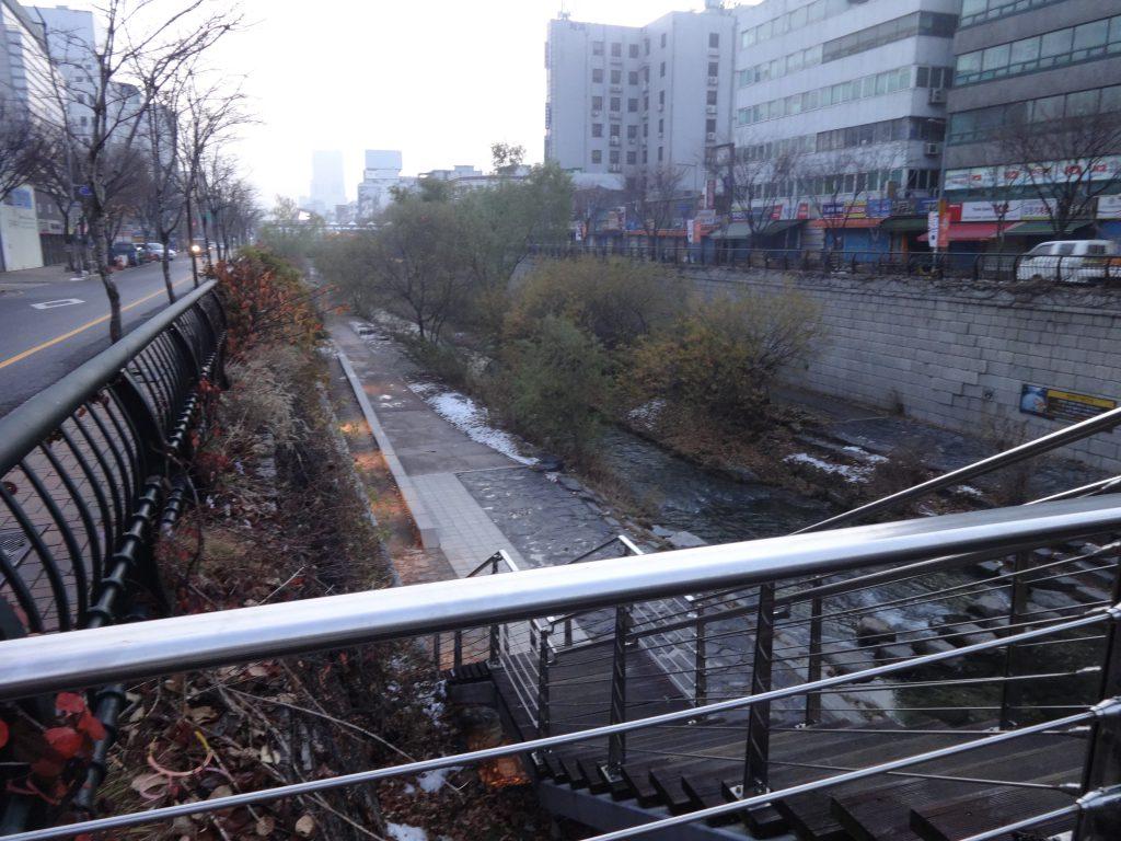 清渓川 チョンゲチョン 歩く