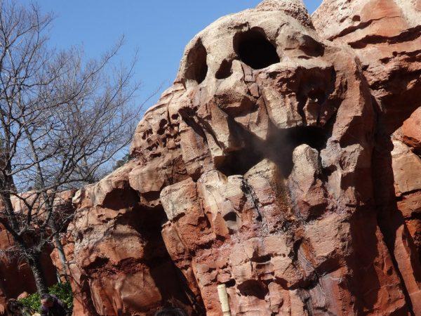 がいこつ岩
