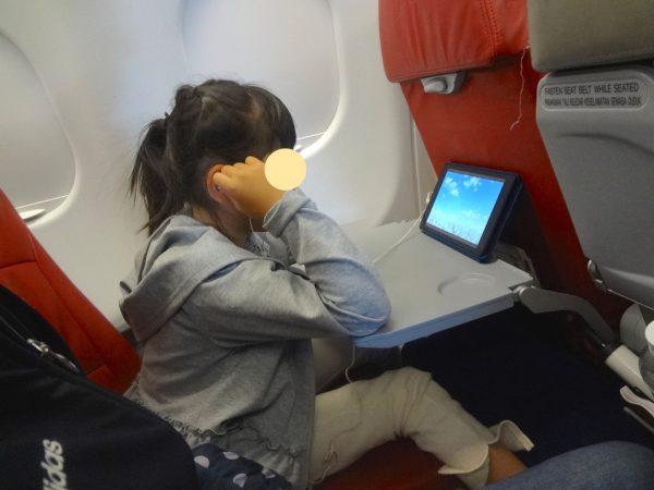 エアアジア 機内 子供 タブレット