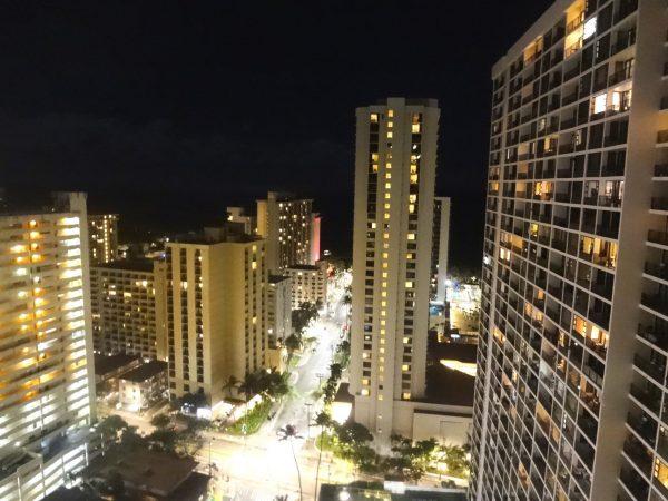 アストンワイキキバニアン 夜景