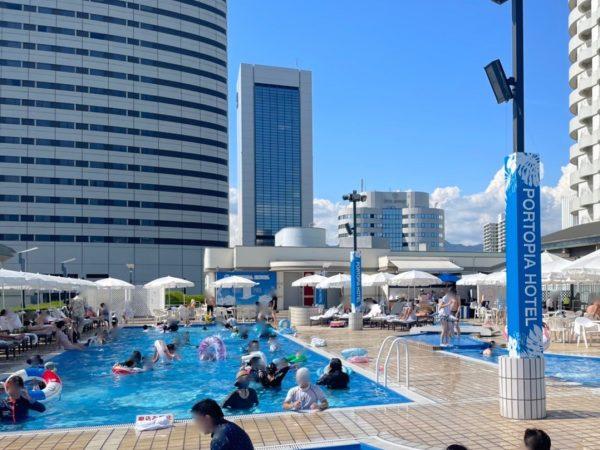 神戸ポートピアホテルのプール